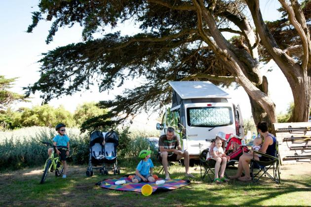 Location emplacement camping les baleines